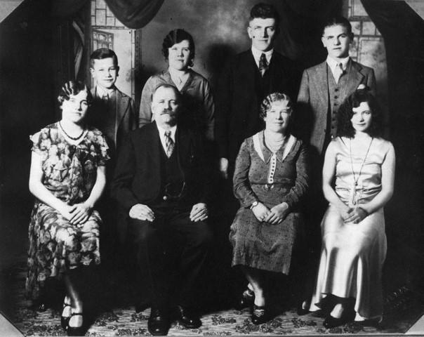 Mylnar family older1920235